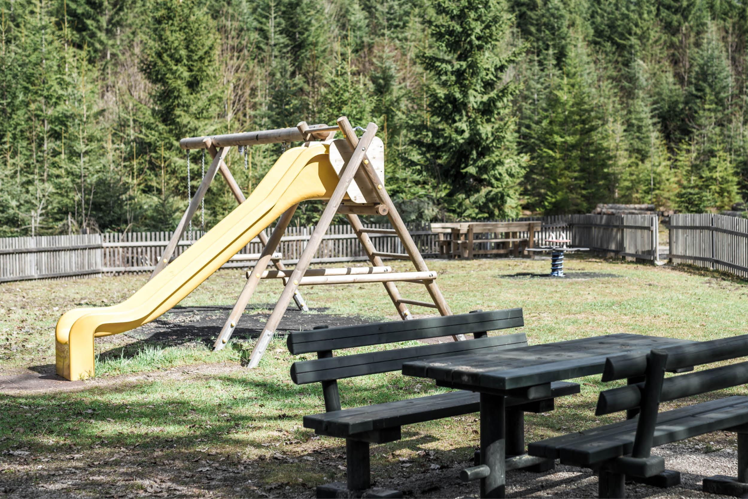Auch Kinder haben bei der Kohlröserlhütte ihren Spaß.
