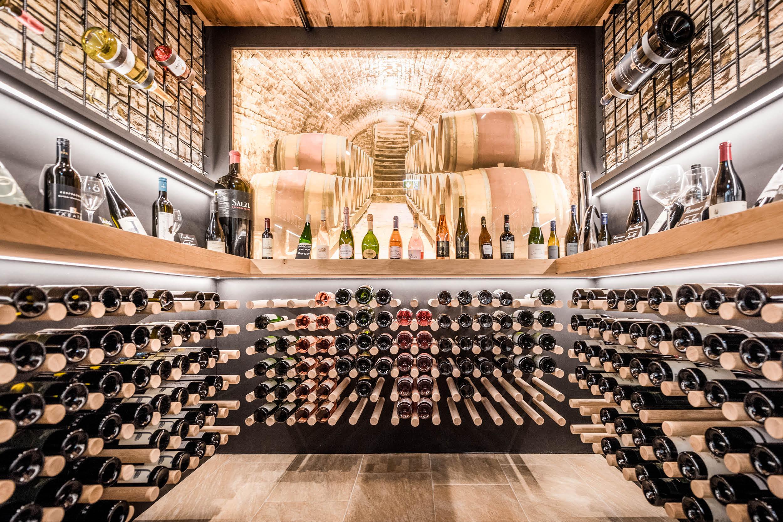 Erleben Sie Weingenuss am Ödensee in der Kohlröserlhütte.